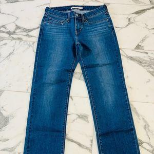Levi's Women's 714 Straight Leg Sz 27